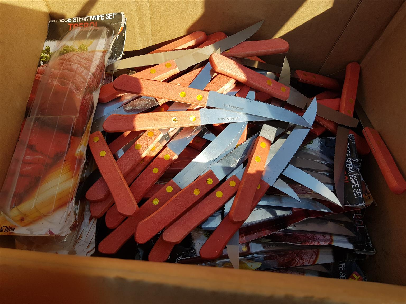 Steak knives (new)