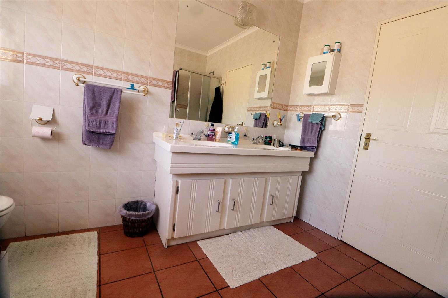 House For Sale in Die Hoewes
