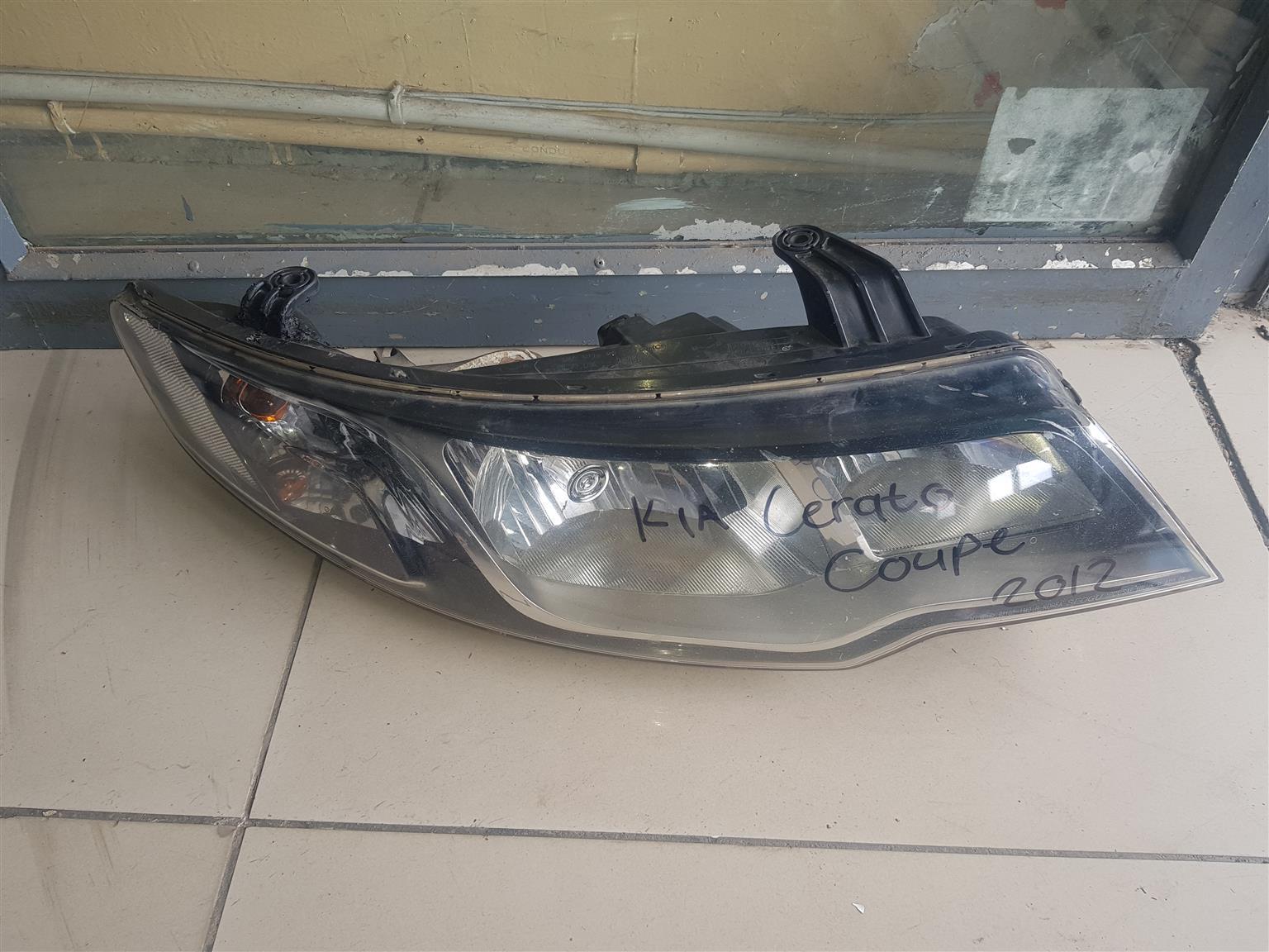 Kia Cerato Coupe Headlight Right