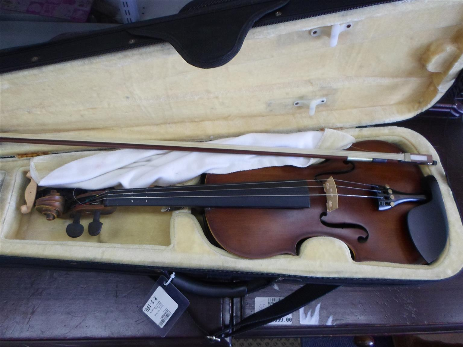 Violin + Carry Case