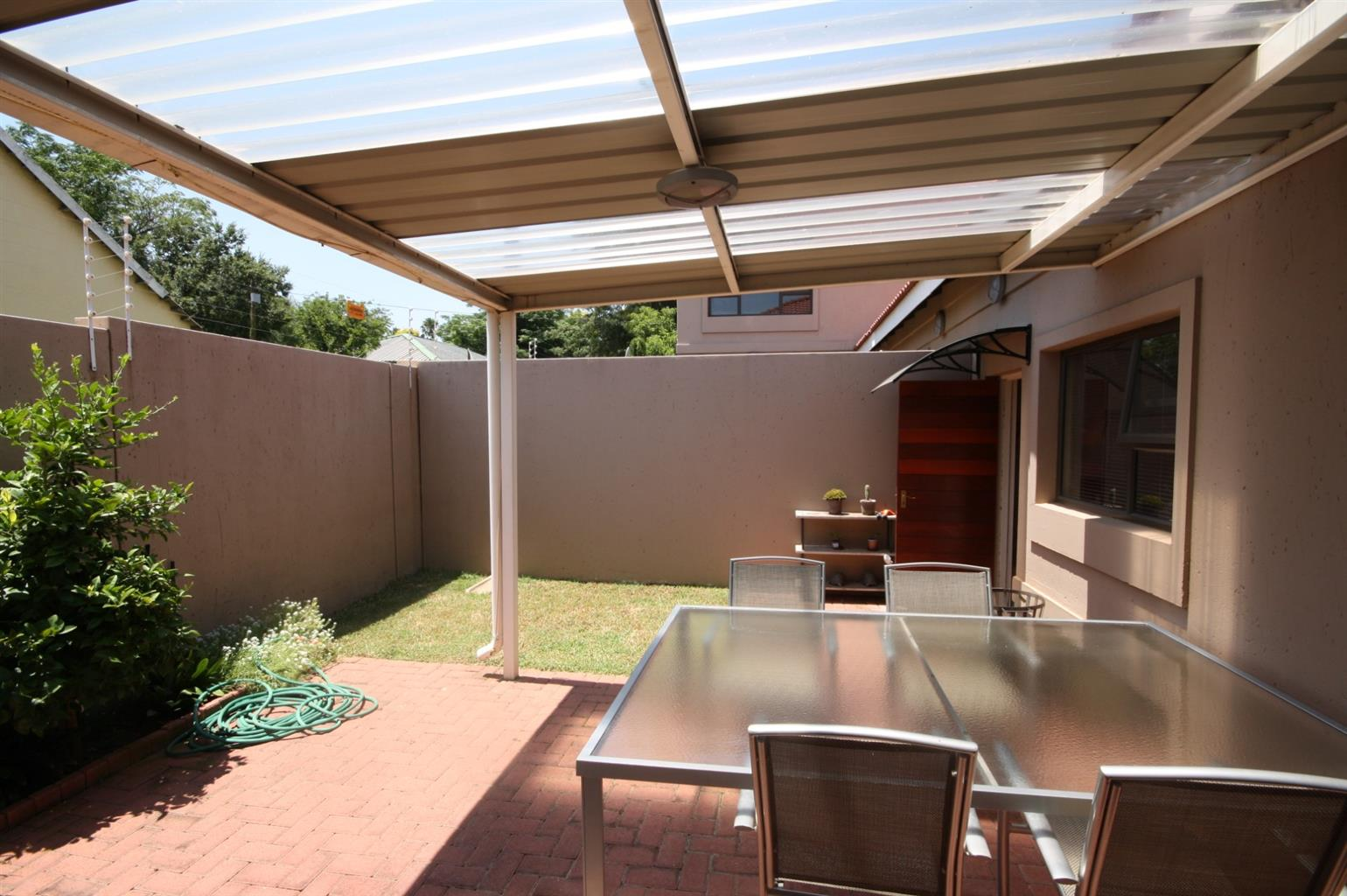 Townhouse For Sale in Edenvale Central