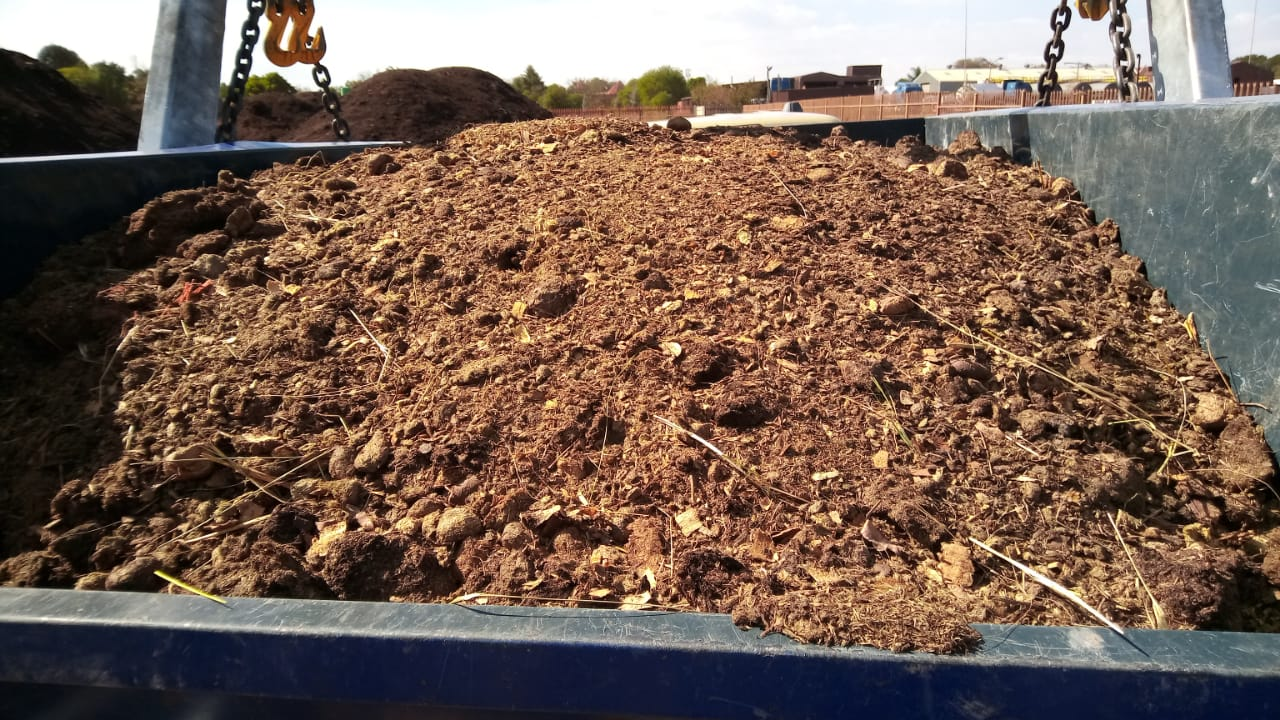 Compost and Lawn Dressing