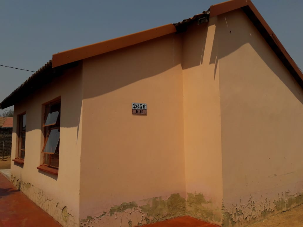 3 BEDROOMS HOUSE FOR SALE SOSHANGUVE GG R400 000.00 CALL SOPHY FOR MORE INFO @ 0760813571