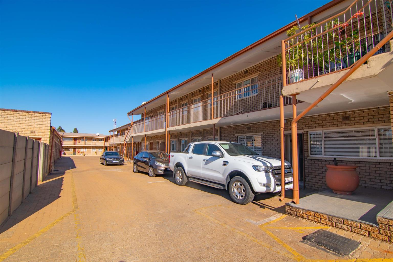 Townhouse For Sale in Witfield