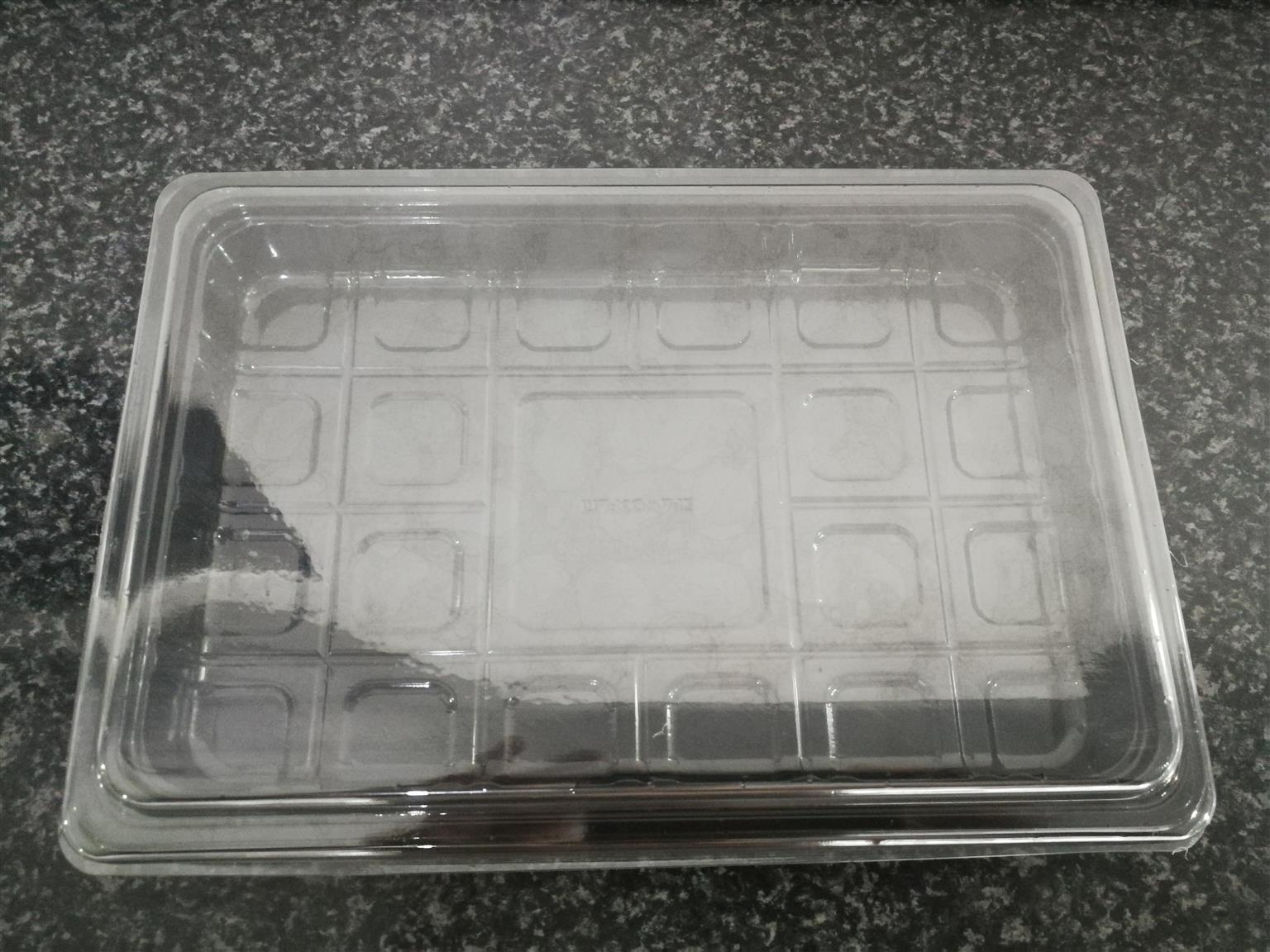 100 Complete Meat Trays See Thru Lid and Black Base