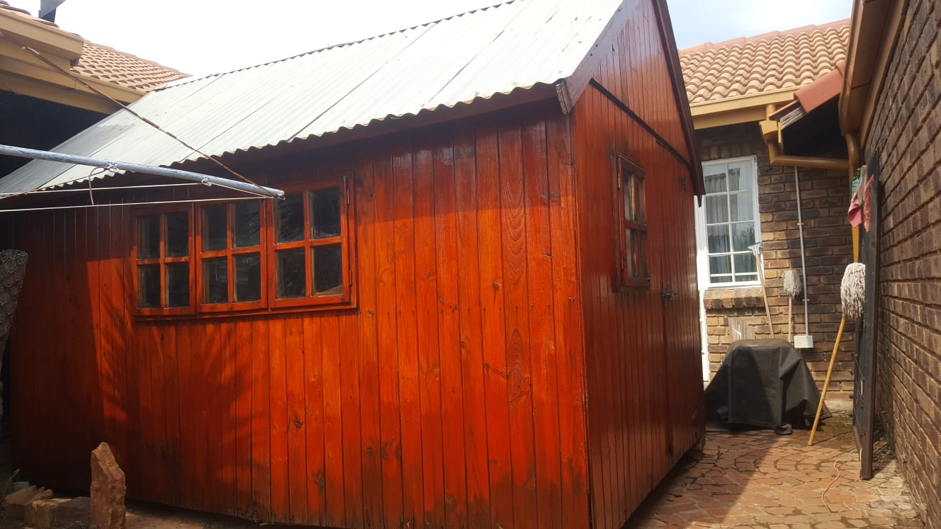 Wendy House, Tool shed