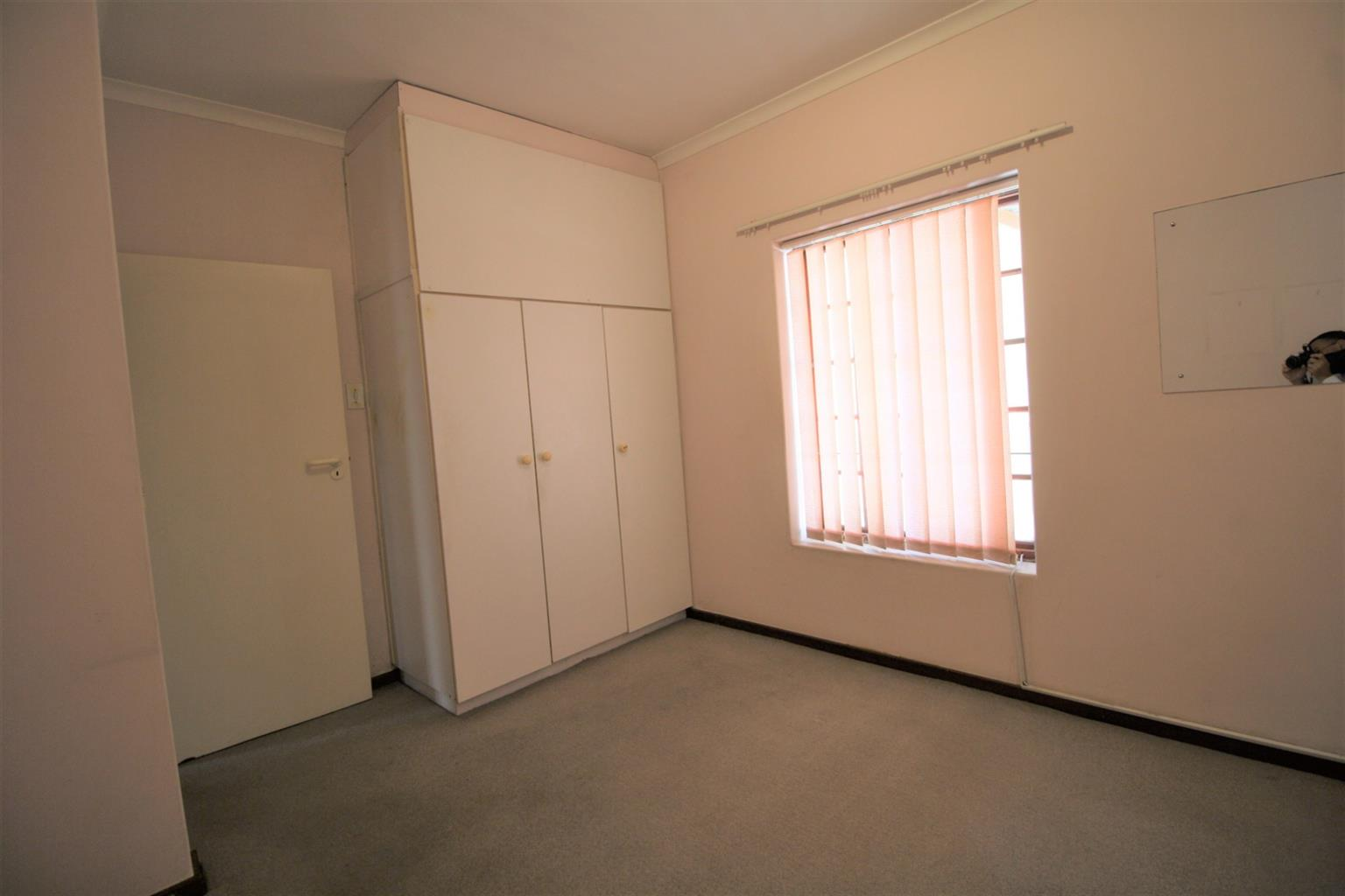 Apartment For Sale in Strand South
