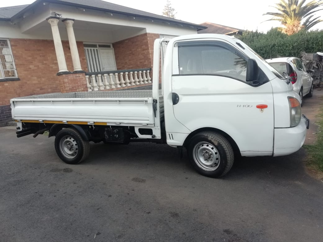 2008 Hyundai H-100 Bakkie 2.6D chassis cab