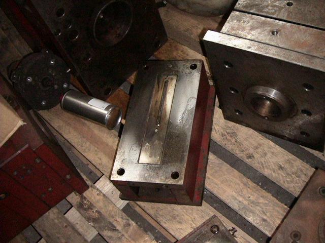 Injection Molding for Jumbo Ruler