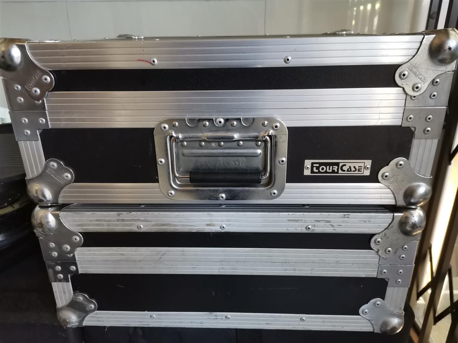 2 x Technics Sl 1210 with flight case and needles