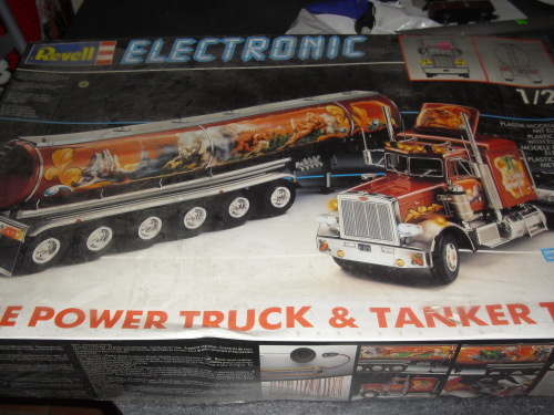 revell 1 25  revell 1:25 scale model truck and trailer | Junk Mail