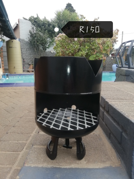 Cooler Boxes & Potjie stands