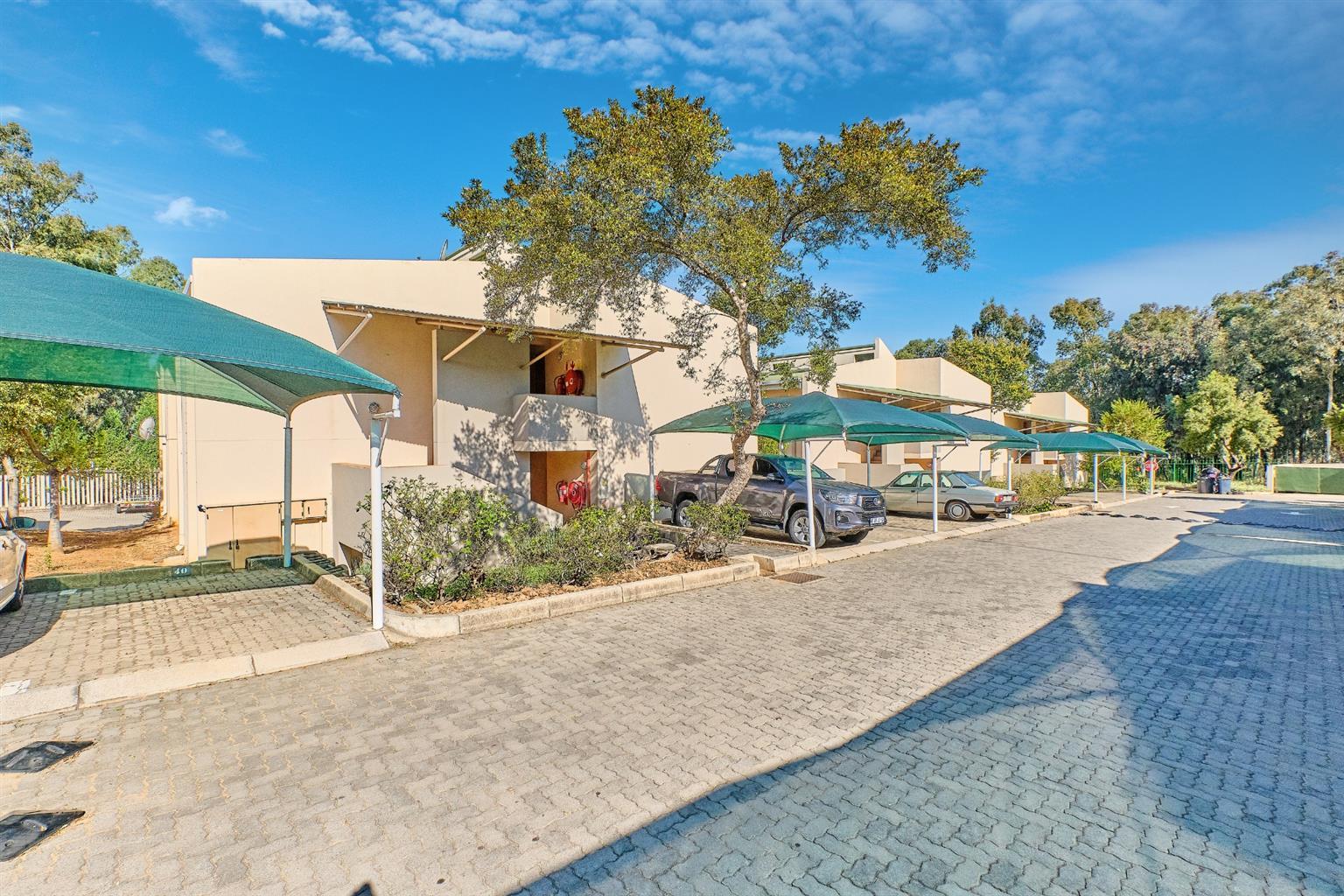 Apartment For Sale in Glen Austin