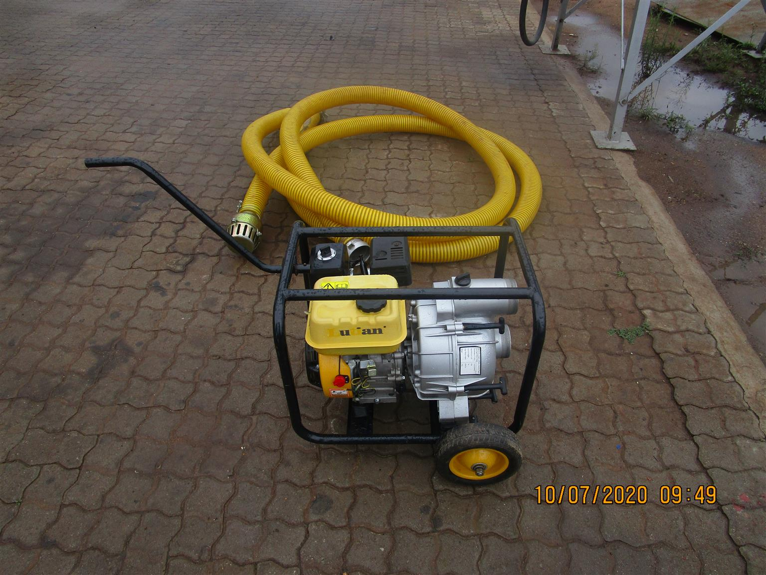WATER PUMP WITH PIPE