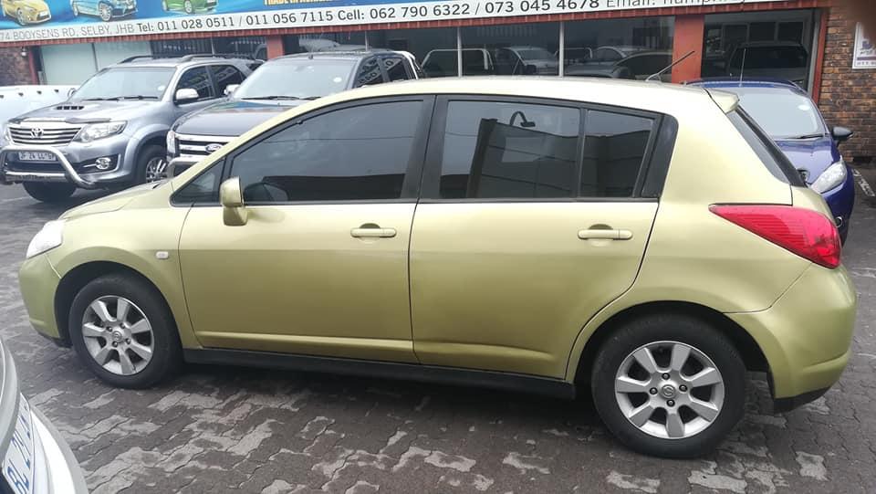 2007 Nissan Tiida hatch 1.8 Acenta