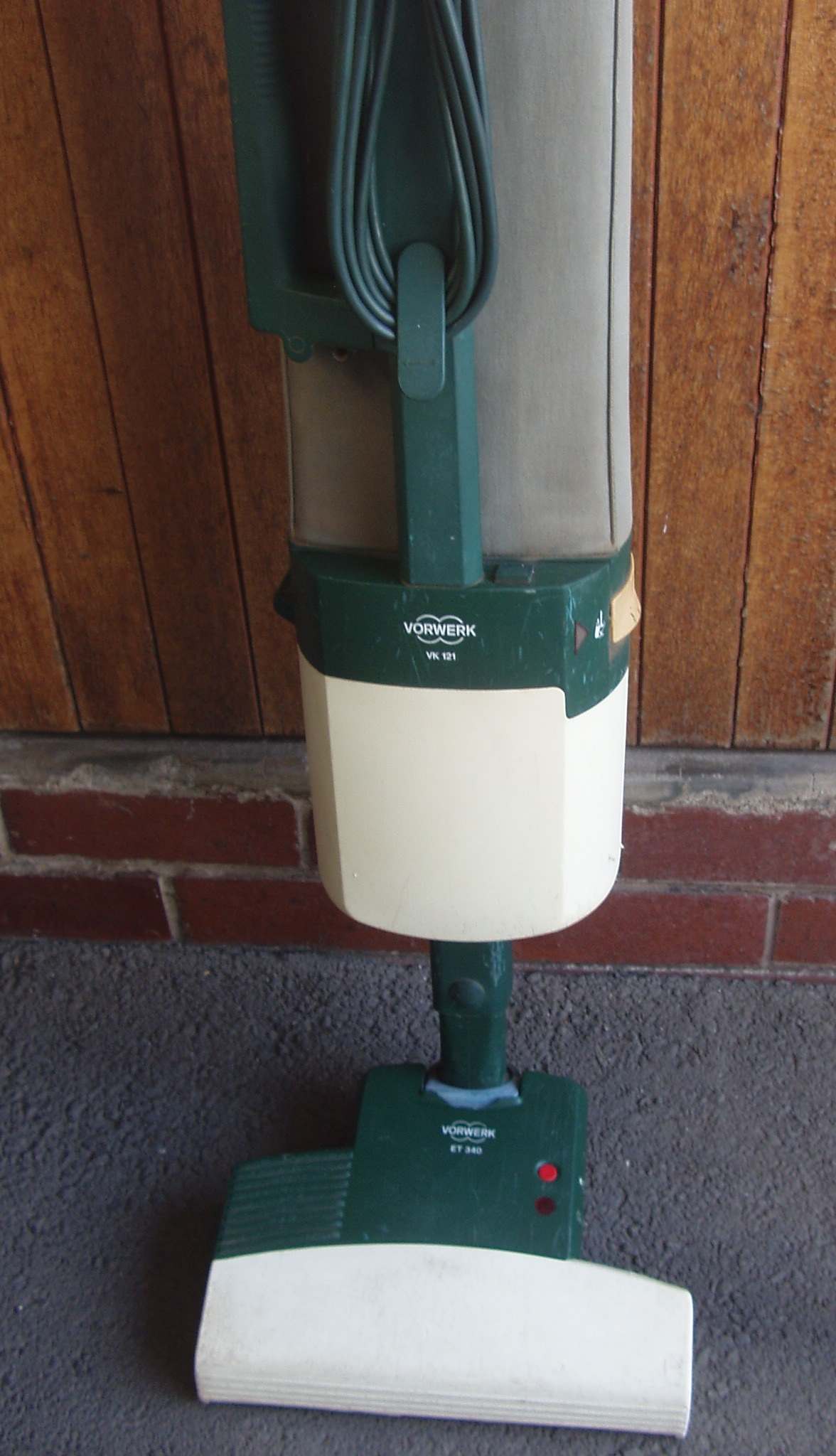 Vorwerk Upright Vacuum Cleaner  ET 340 - in excellent working order