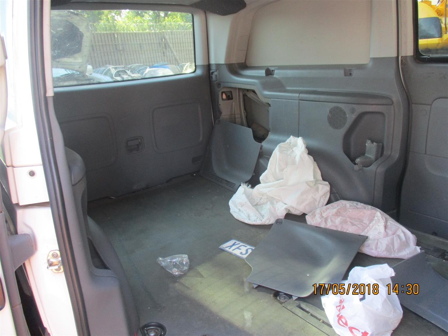 Mercedes Benz Vito 115 Interior | Junk Mail