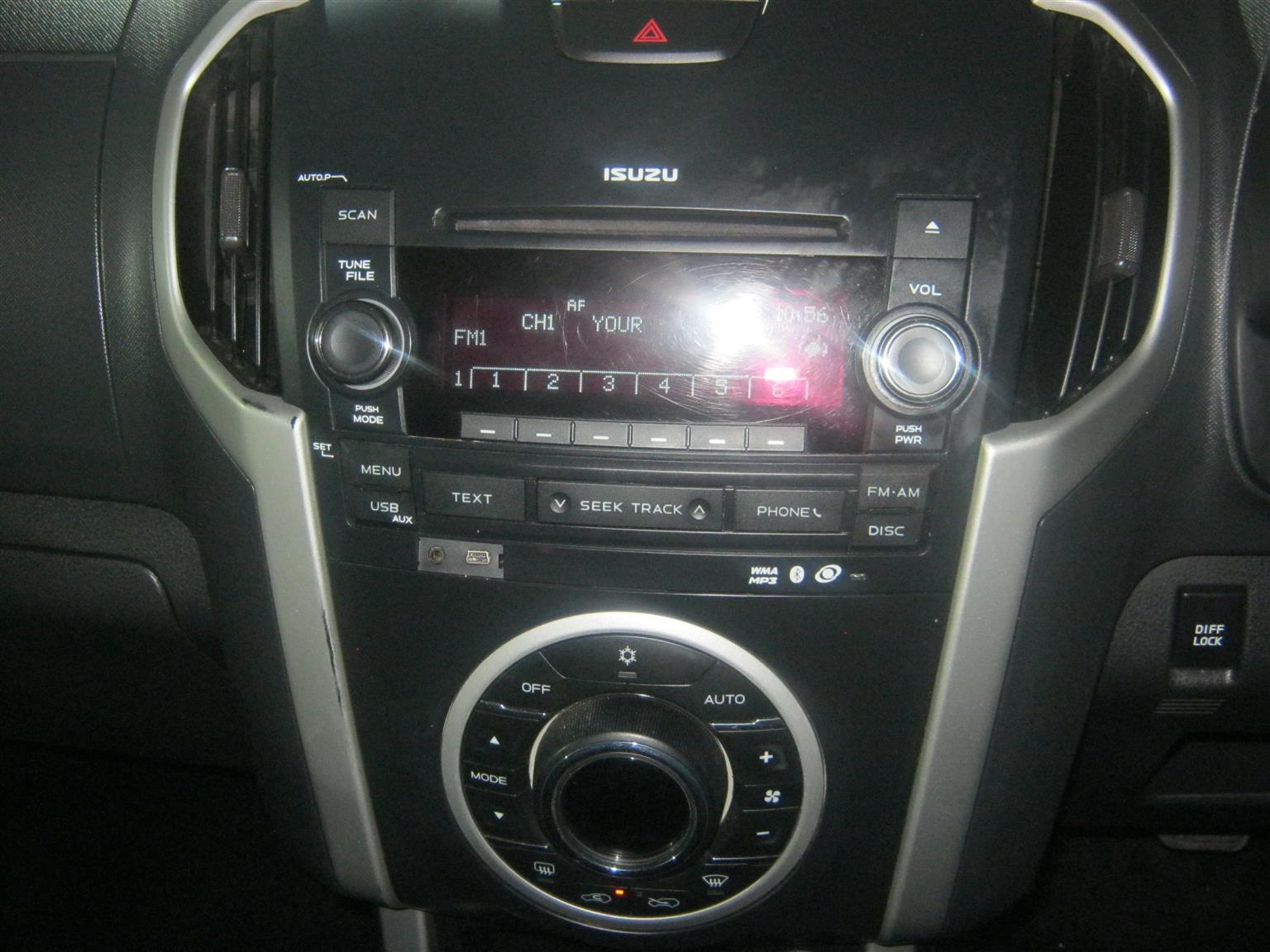 2014 Isuzu KB Extended cab KB 300 D TEQ LX P/U E/CAB