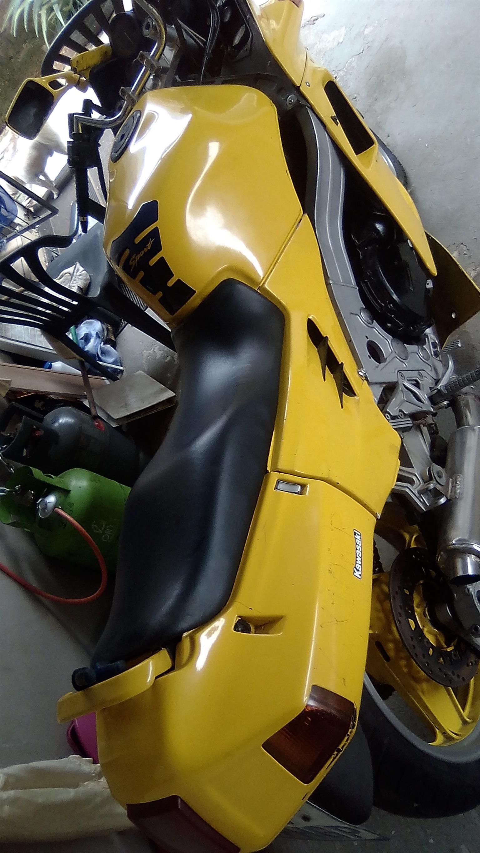 1990 Kawasaki ZX10
