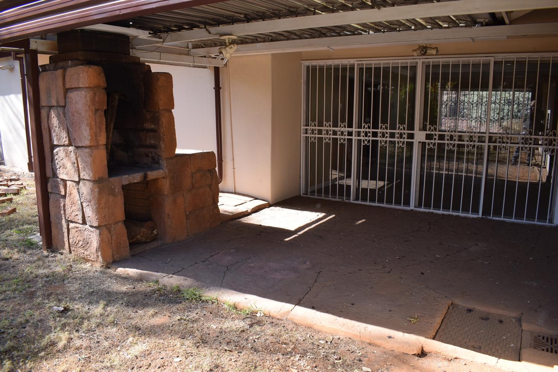 Lynnwood Glen 4 Bedroom House for sale