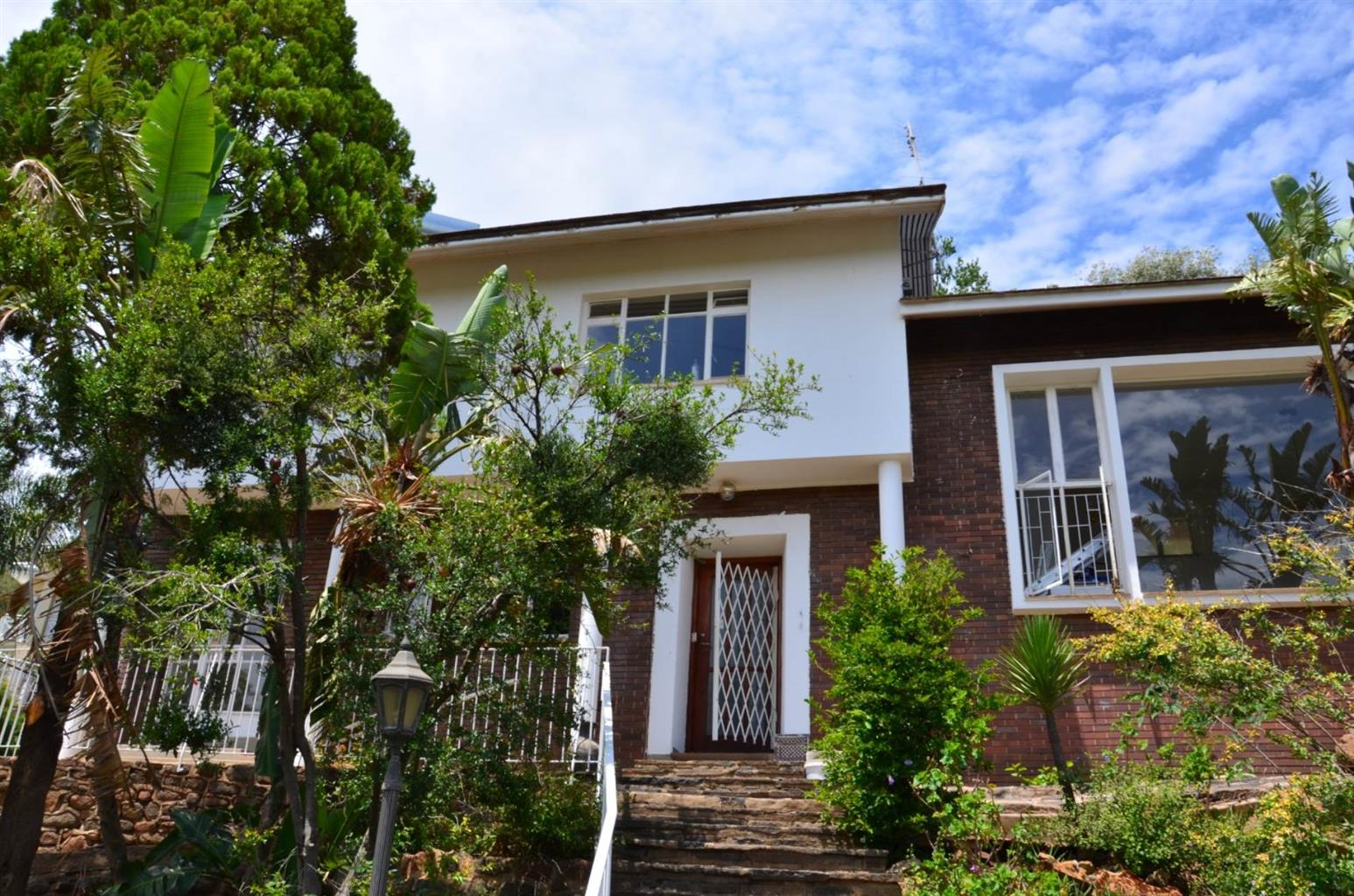 House For Sale in WAVERLEY