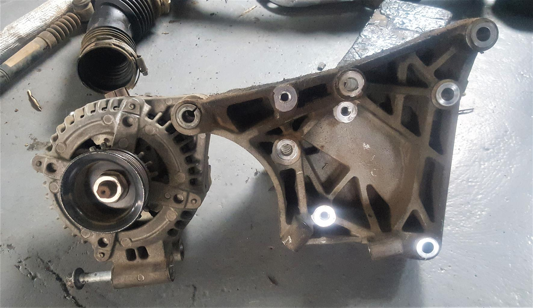 Range Rover Sport Alternator and Bracket | AUTO EZI