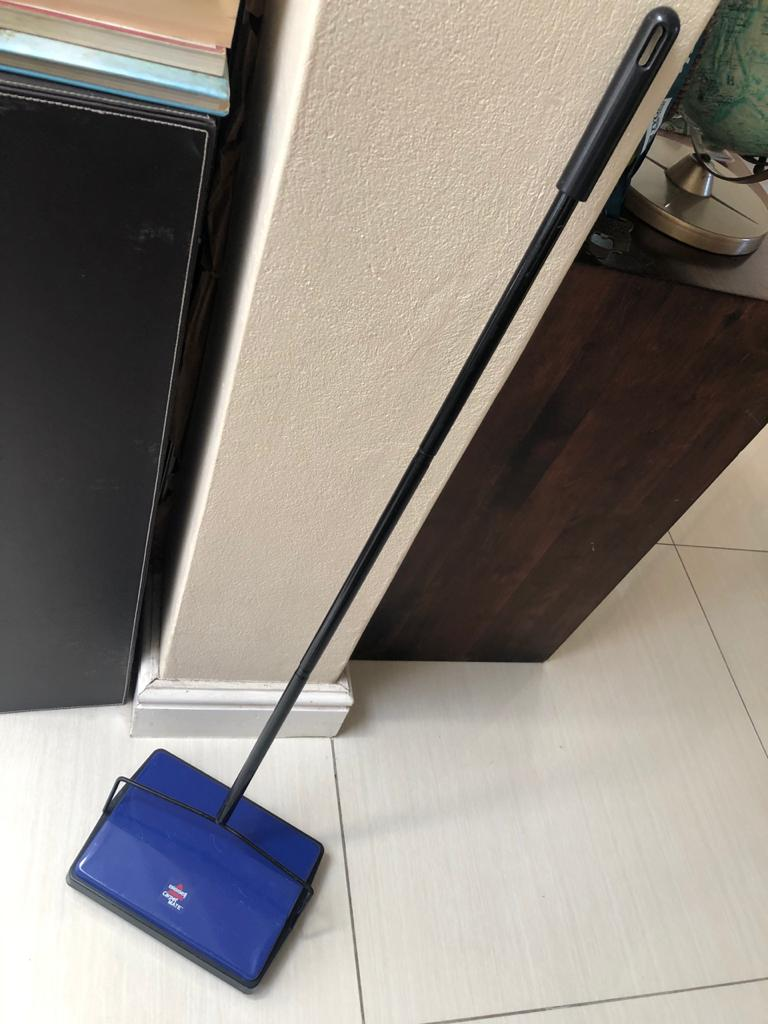 Bissell Carpet Mate - Carpet sweeper / cleaner - cleaning made simple and easy!