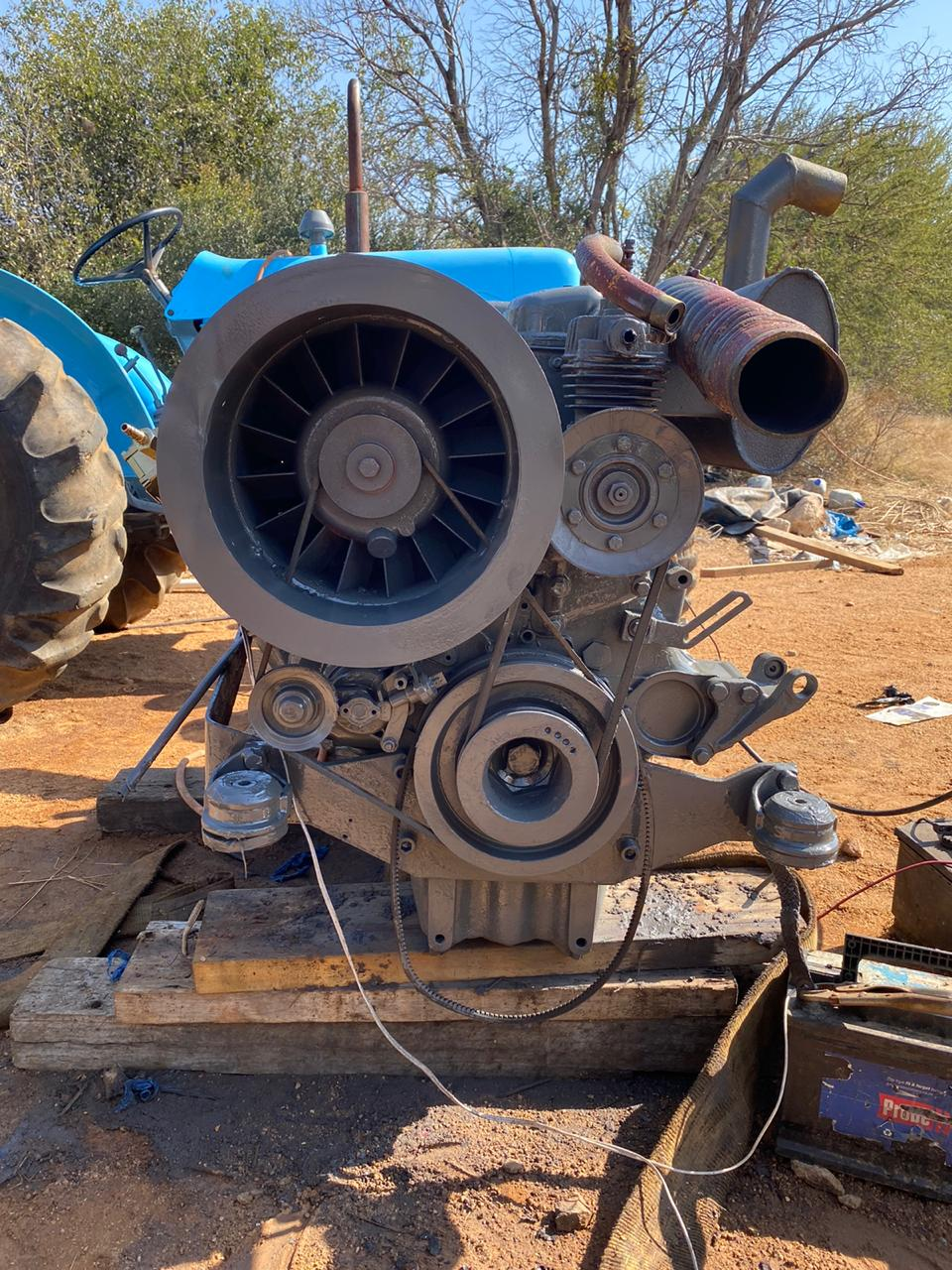 Deutz 6413 L 6 cylinder engin with hydrualic pump