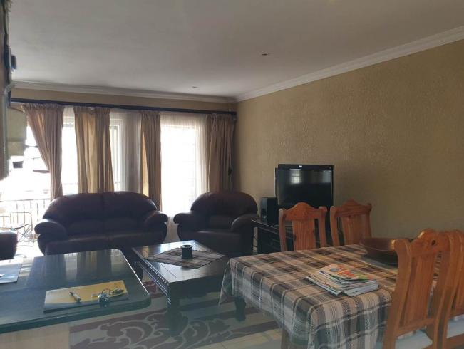 3 Bedroom Townhouse for Sale in La Montagne