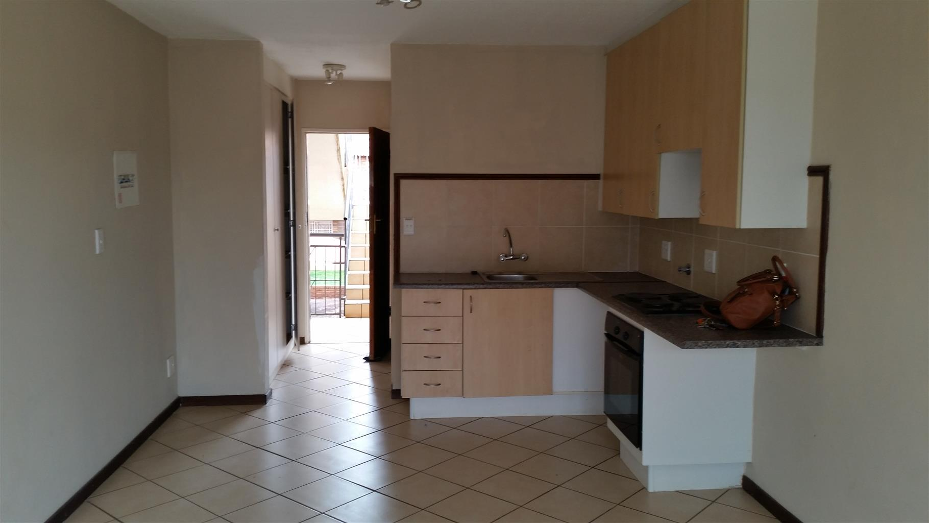 Wondepark Estate Batchelor flat