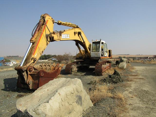 Bell HD2045 III Excavator - ON AUCTION