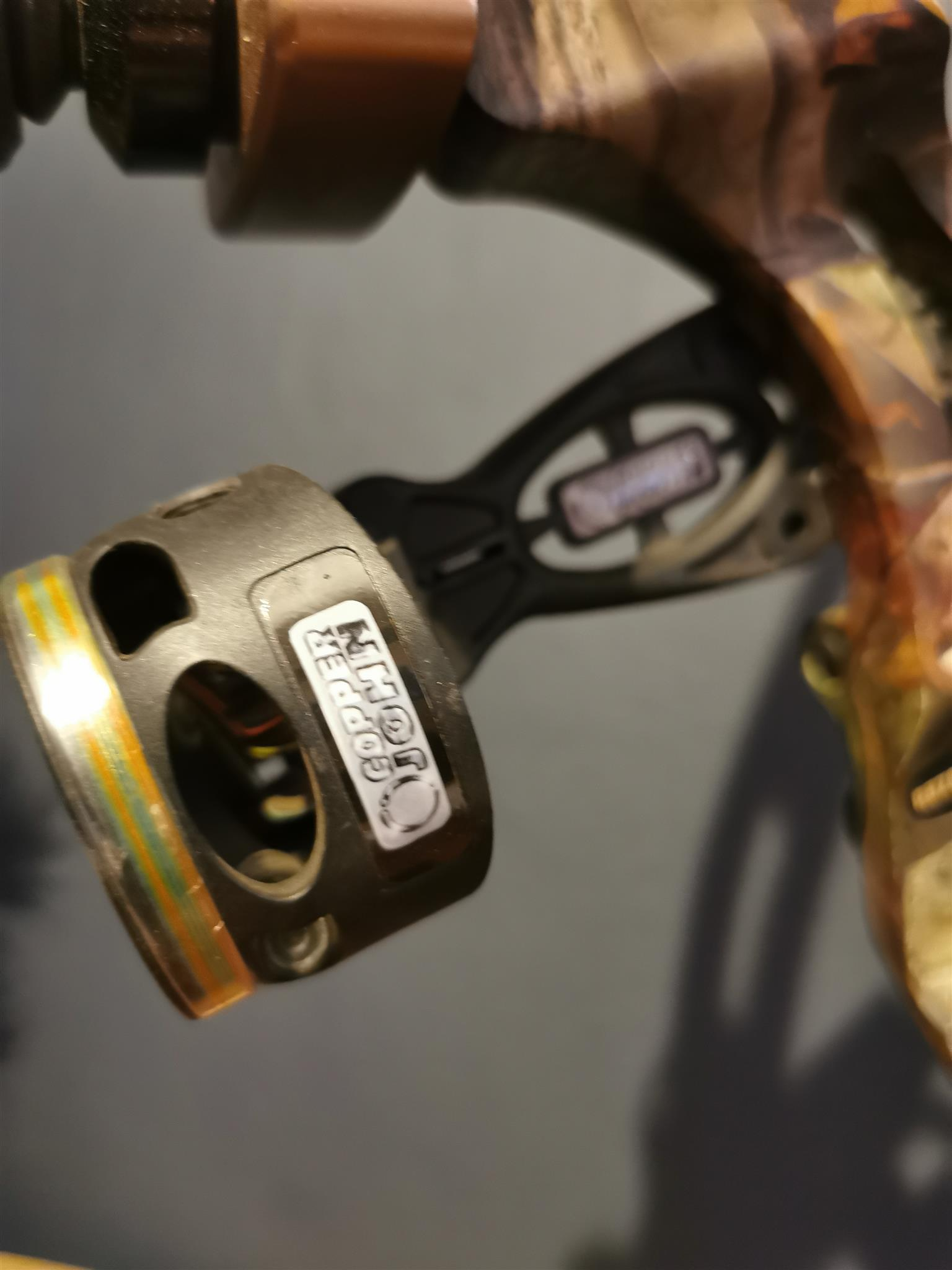 Hoyt Razor Tec Xt2000 Copper John 5 Pin Sight 27.5 - 30 Brand new strings R3000