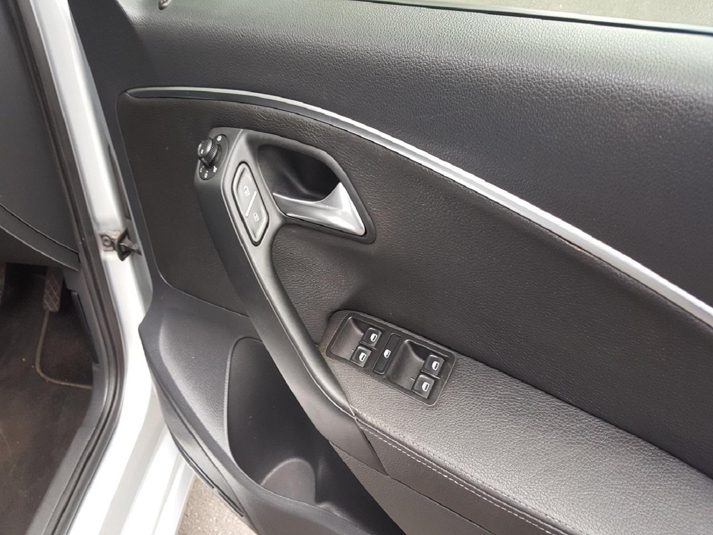 2015 VW POLO 1.2 TSI HIGHLINE AUTO