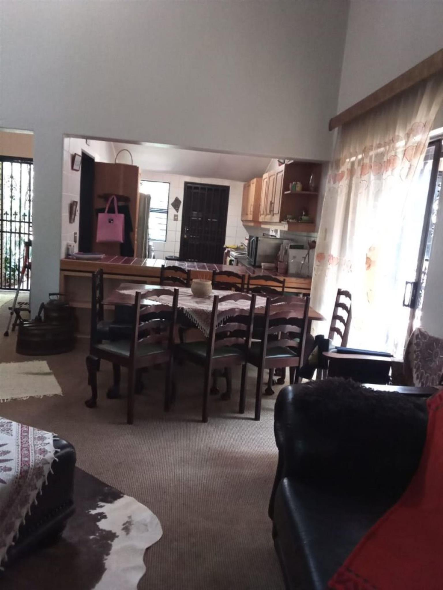 Townhouse For Sale in WEAVIND PARK