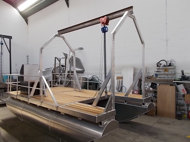Pontoon Work Boats and Platforms