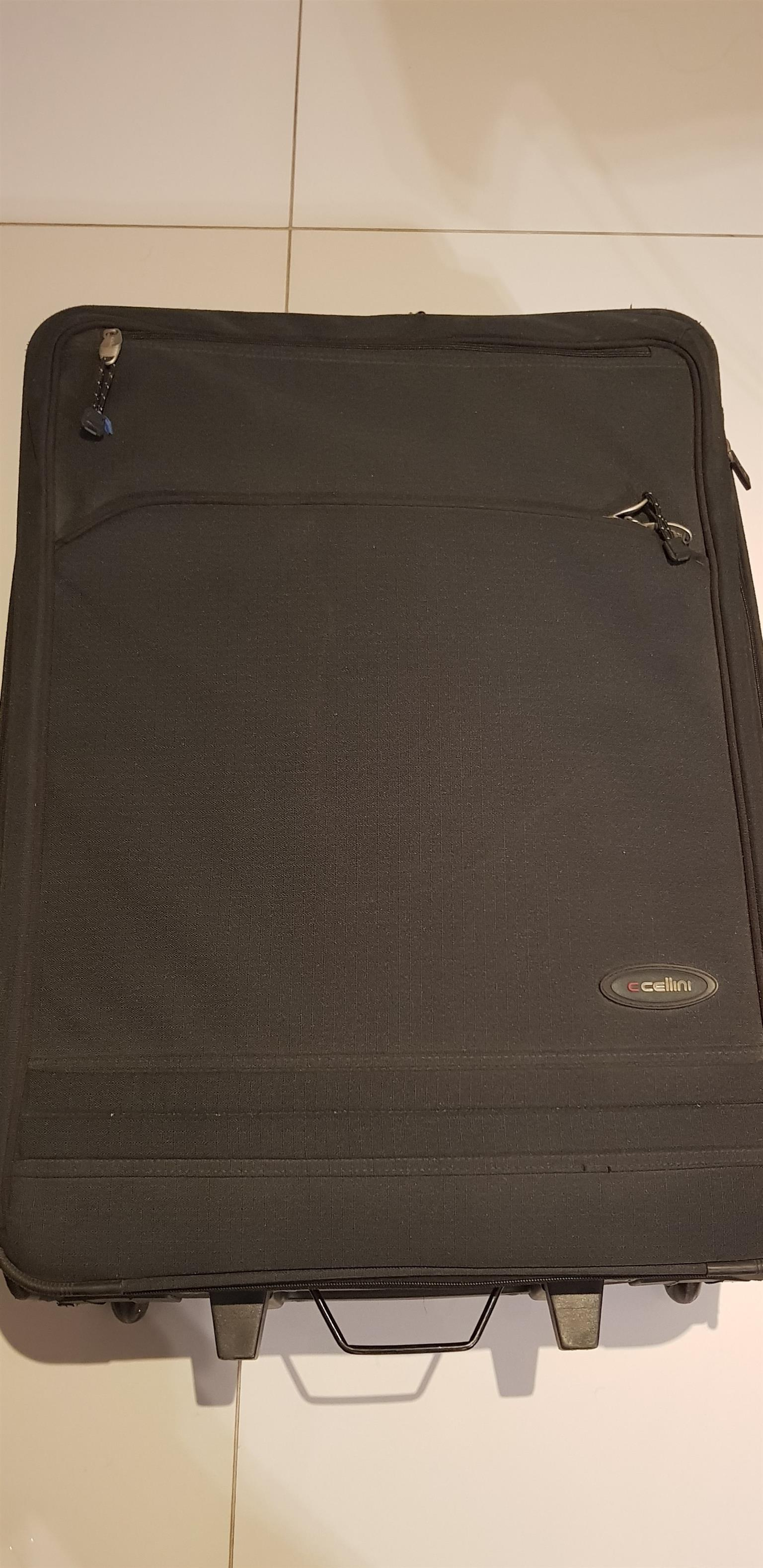 Cellini Microlite 74cm luggage bag for sale, excellent condition