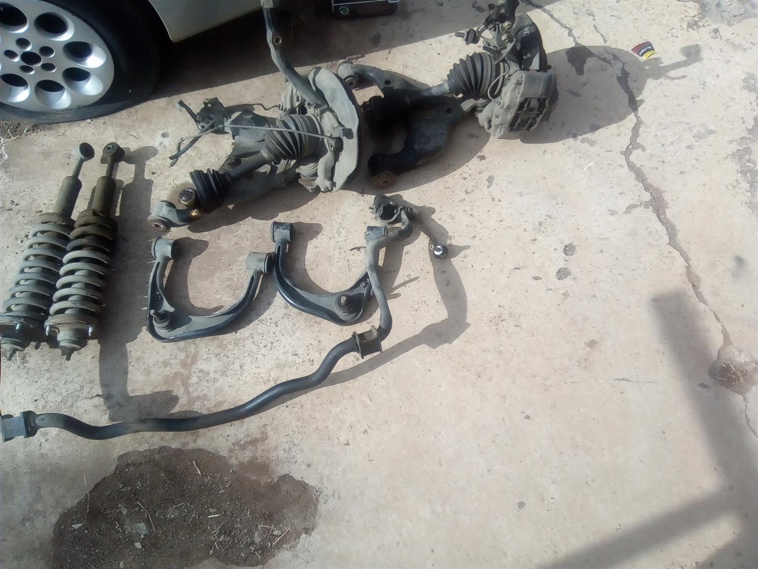 Hillux D4D 4x4 front and back suspension