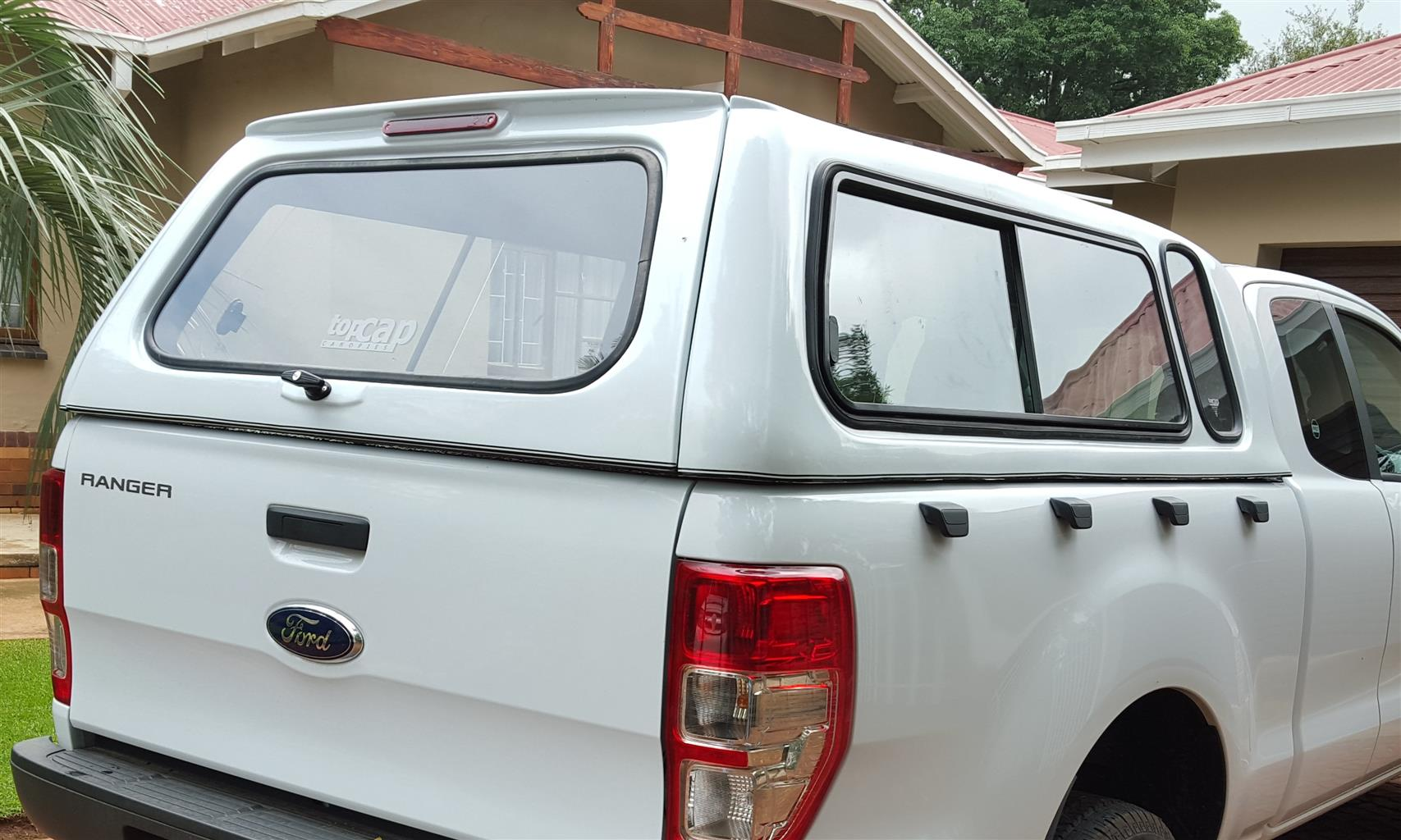 STD GC FORD RANGER T6 SUPERCAB LATEST MODEL LOW-LINER BAKKIE CANOPY