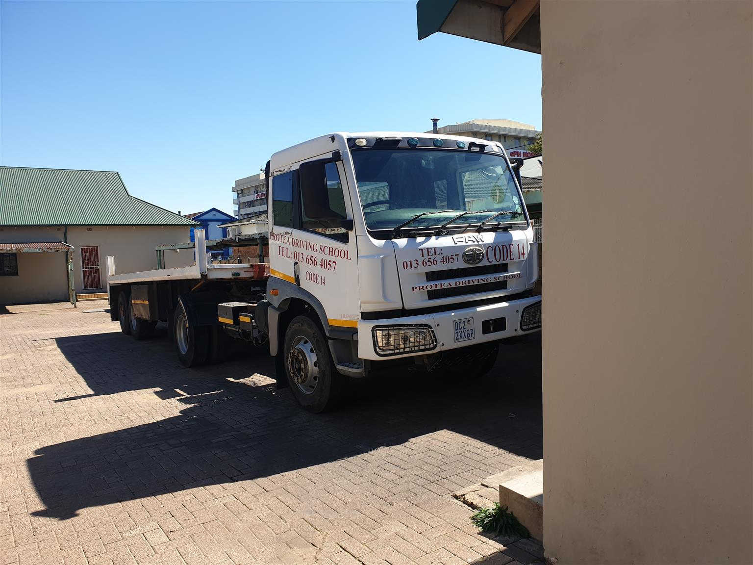 2014 FAW 16.240FD CA Series only 25,000 km with trailer
