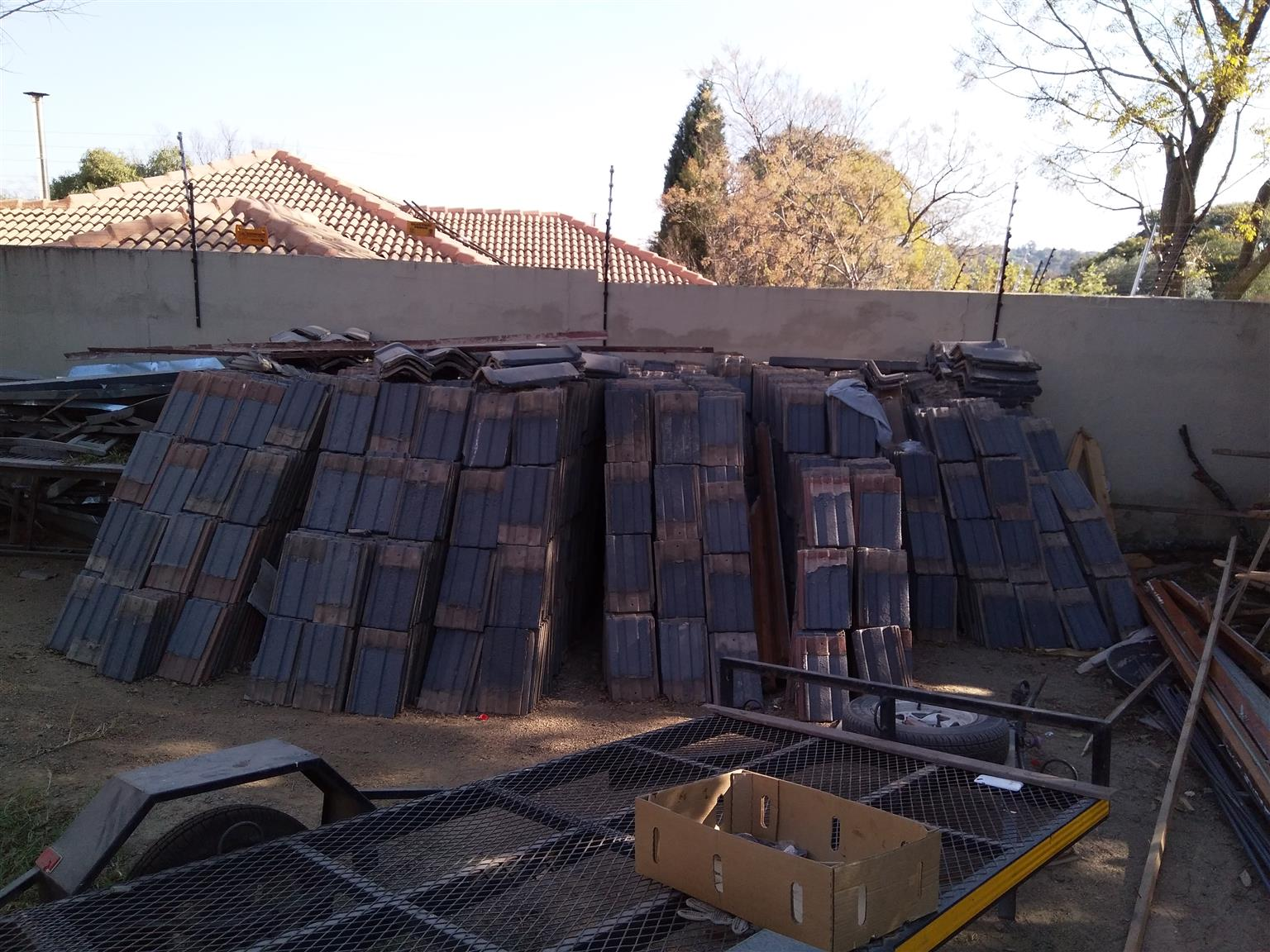 Second Hand Coverland Vereeniging Roof Tiles For Sale R4