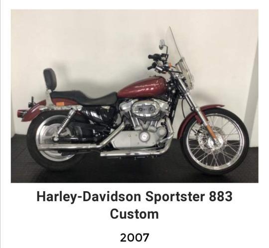 Harley Davidson Sportster 883 Custom Low in superb condition