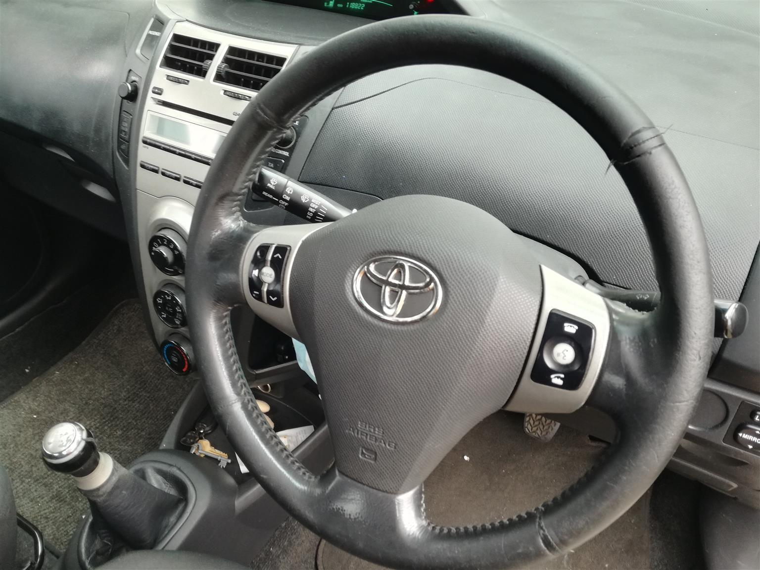2010 Toyota Yaris T3 Spirit hatch