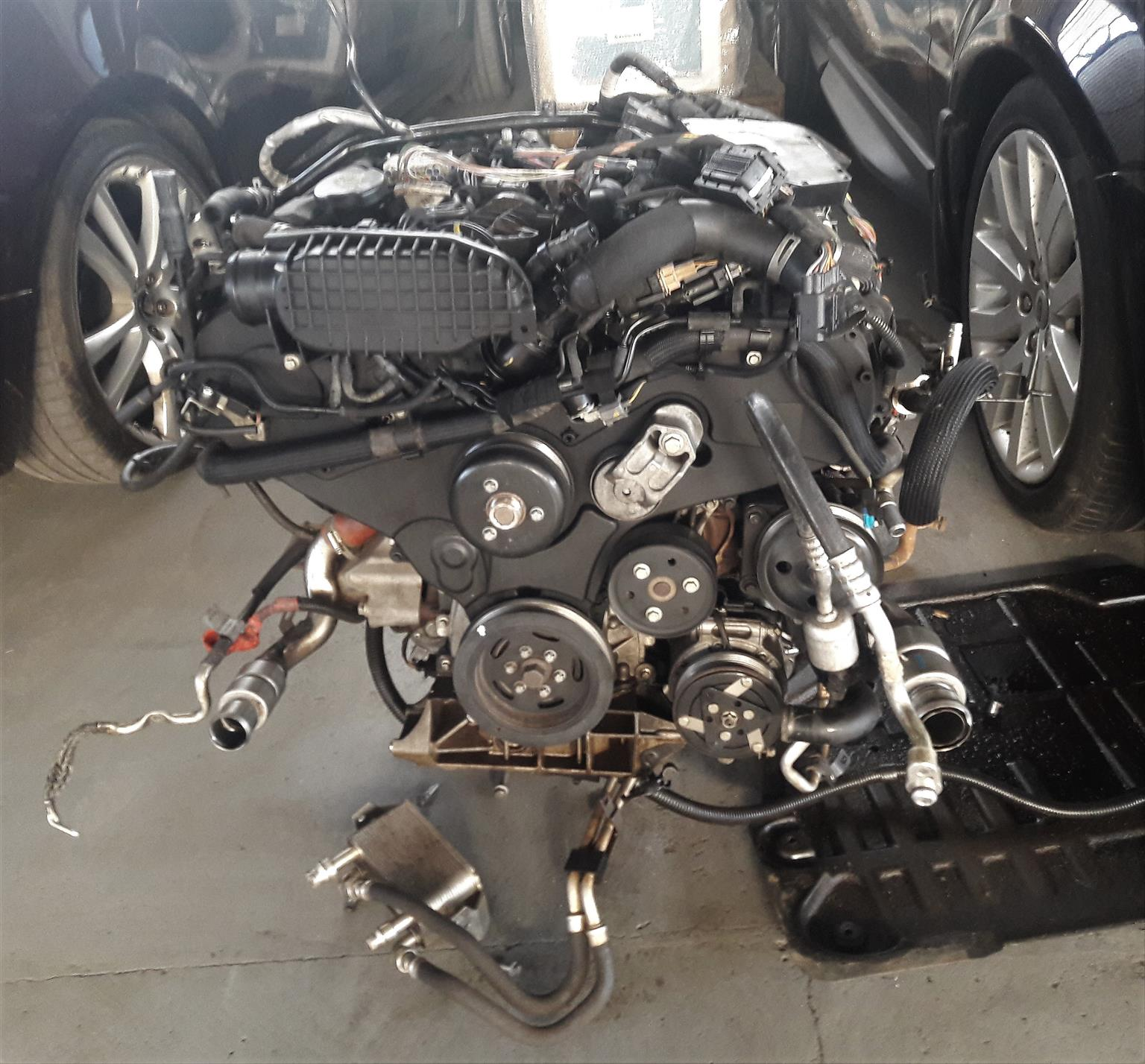 Land Rover Discovery 4 TDV6 3 Liter Engine for sale | AUTO EZI