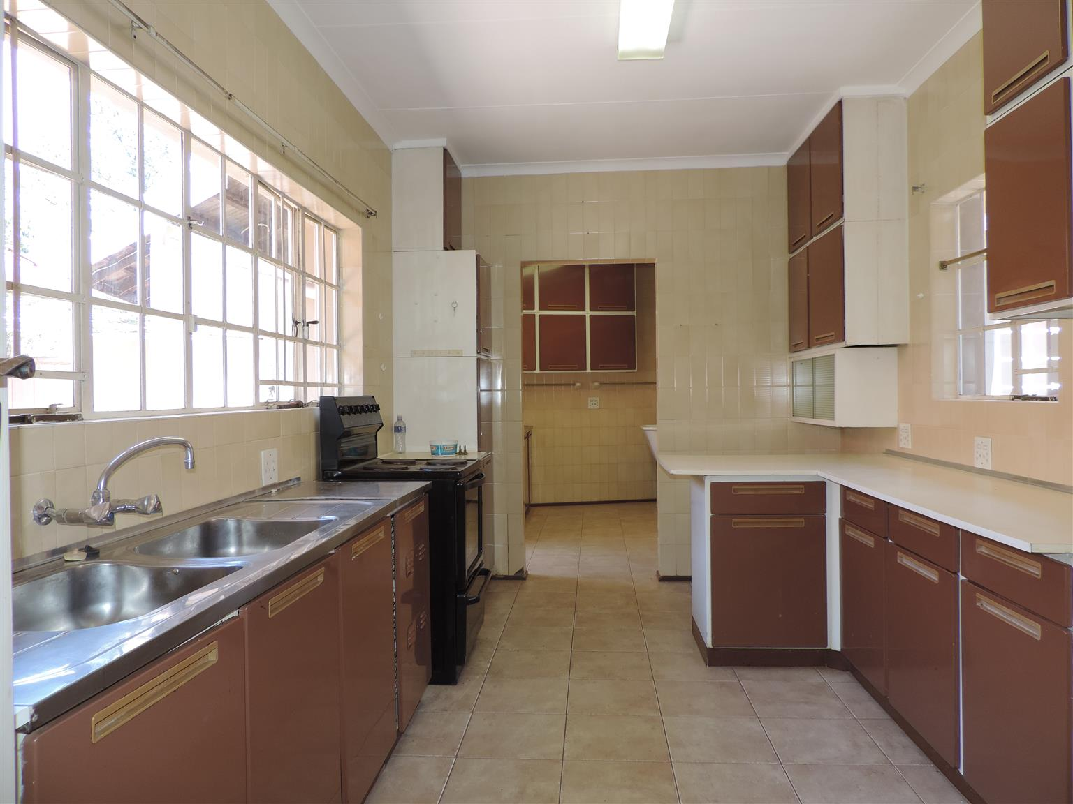 AFFORDABLE SPACIOUS FAMILY HOME IN ERASMUSRAND