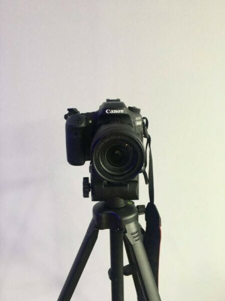 Selling a Second hand Canon EOS D80 camera, in excellent condition.