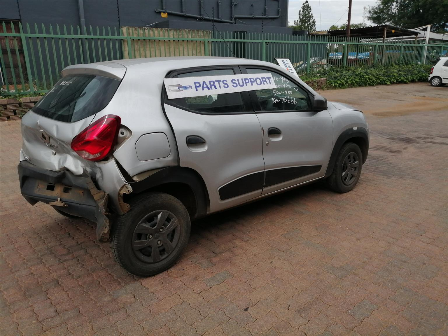 Stripping  Renault Kwid 1.0  For Used Spare Parts