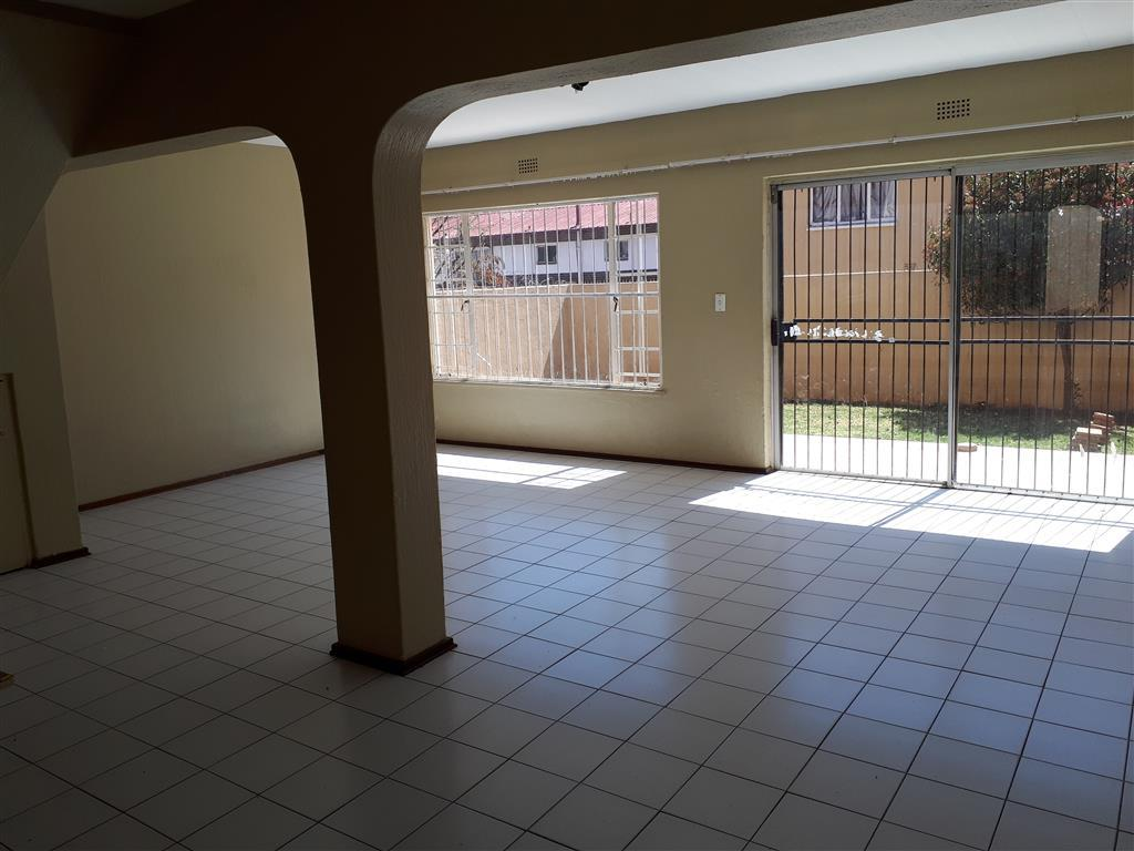Apartment Rental Monthly in Windsor West