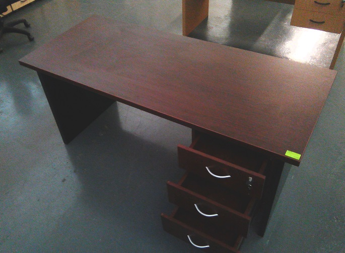 Impact desk with 3 drawers