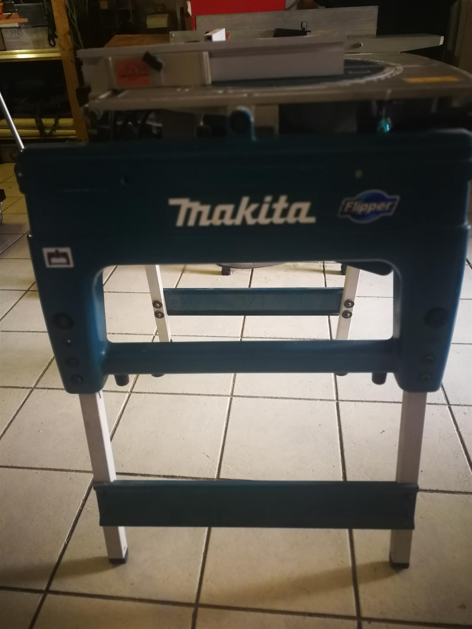Makita Flipper saw
