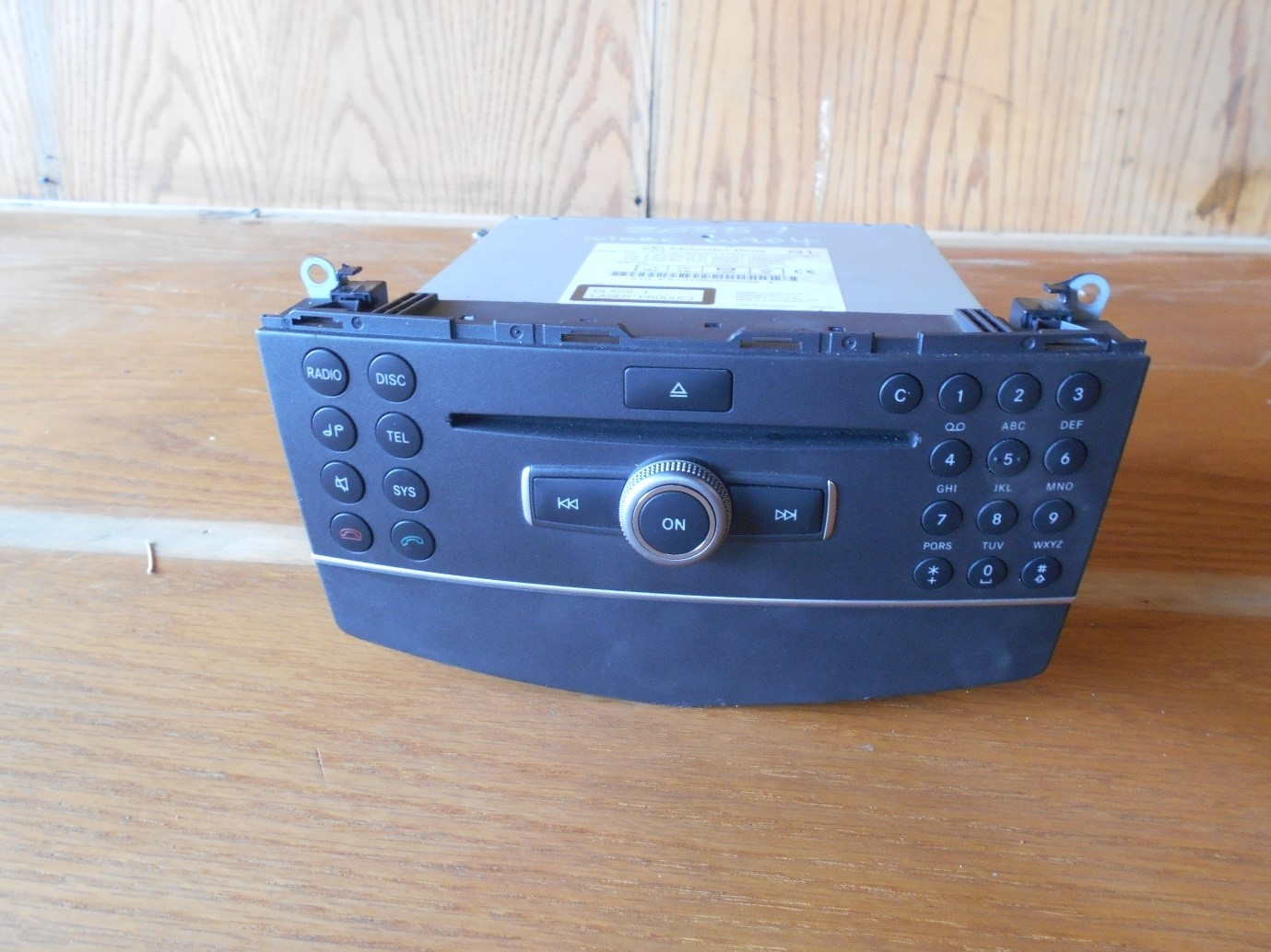 Mercedes Benz W204 Radio For Sale | Junk Mail